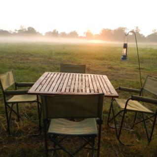 Outdoor dining at Leopard Safaris Wilpattu Camp, luxury camp in Sri Lanka