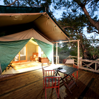 Pom Pom Camp, luxury camp in Botswana