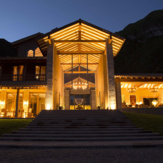 Inkaterra Hacienda Urubamba exterior at night