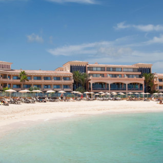 Beach at Gran Hotel Atlantis Bahia Real, luxury hotel in Spain