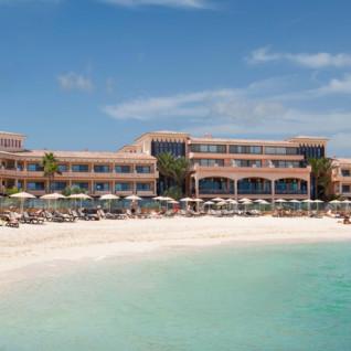 Beach at Gran Hotel Atlantis Bahia Real, luxury hotel in Spain