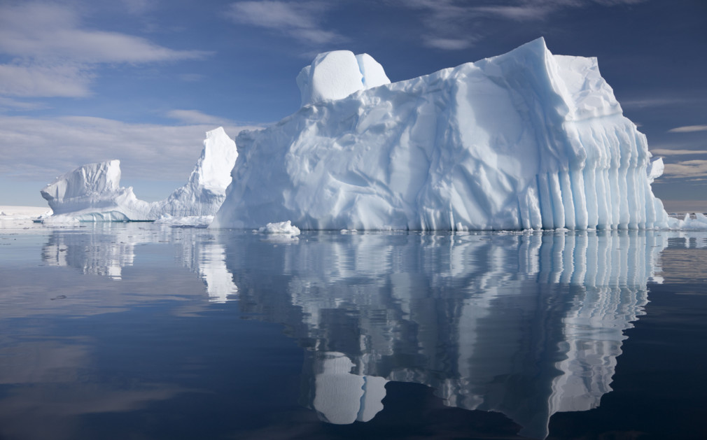 Luxury holidays antarctica luxury expedition cruises for Antarctica places to stay