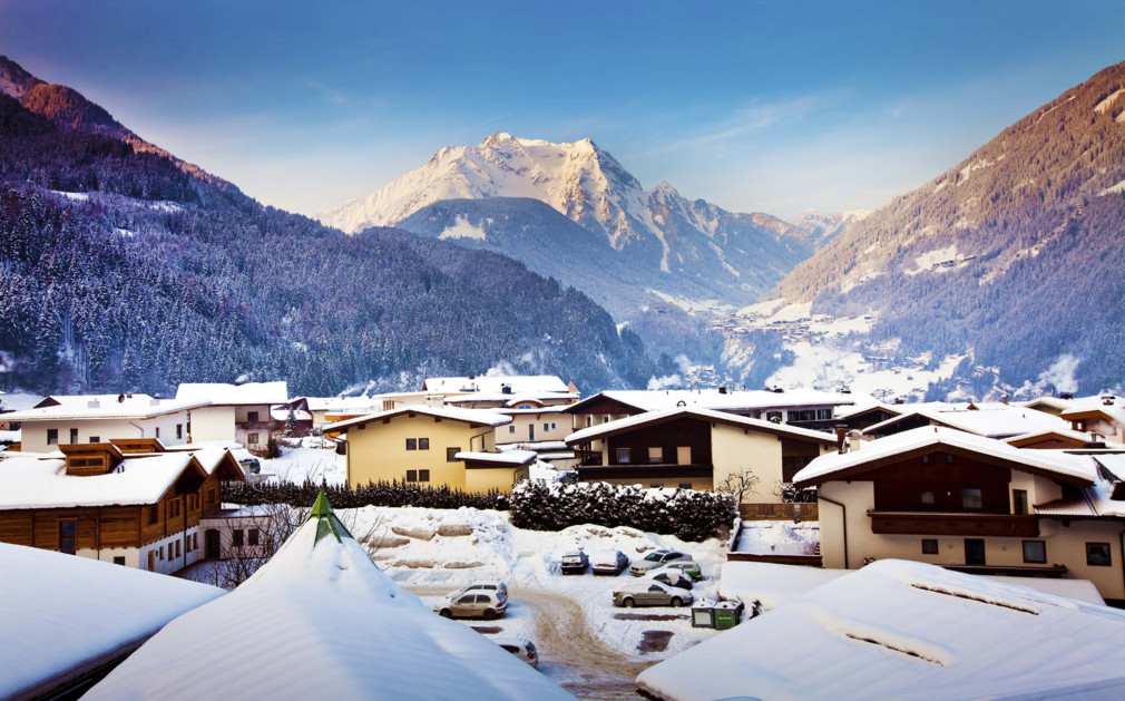 Where to go in austria the best ski resorts in austria for Luxury hotels austria