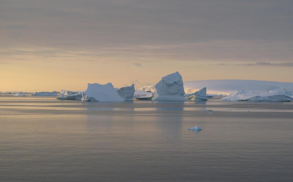 Antarctica original travel for Antarctica places to stay