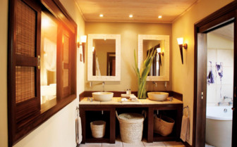 Picture of beach suite bathroom, Desroches Island Resort