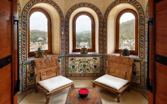 Palace suite lounge area at Devi Garh hotel
