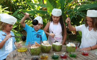 Picture of Guests Cooking Jelly at Soneva Fushi