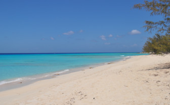 Picture of beautiful turquoise water Turks and Caicos
