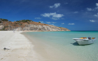 Picture of beach and boat at Lizard Island in Australia