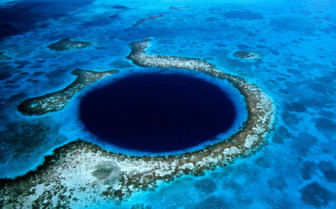Picture of Blue Hole Ambergris caye Belize