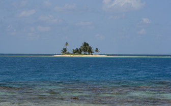 Picture of a small atoll in Belize