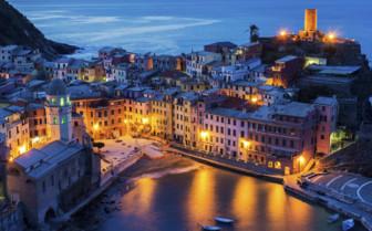 Vernazza by night