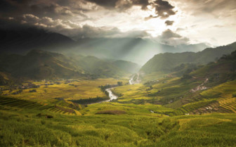 Sapa Sunlight Through Clouds