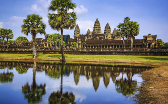 Angkor Wat Reflected in the Sunshine