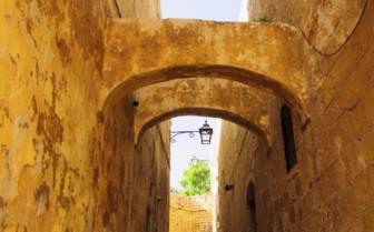 Victoria alleyway