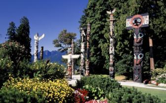 Stanley Park Totem Poles in Vancouver