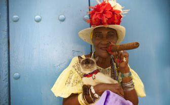 Havana lady with cigar