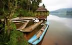 Lake Bunyonyi boats in Uganda