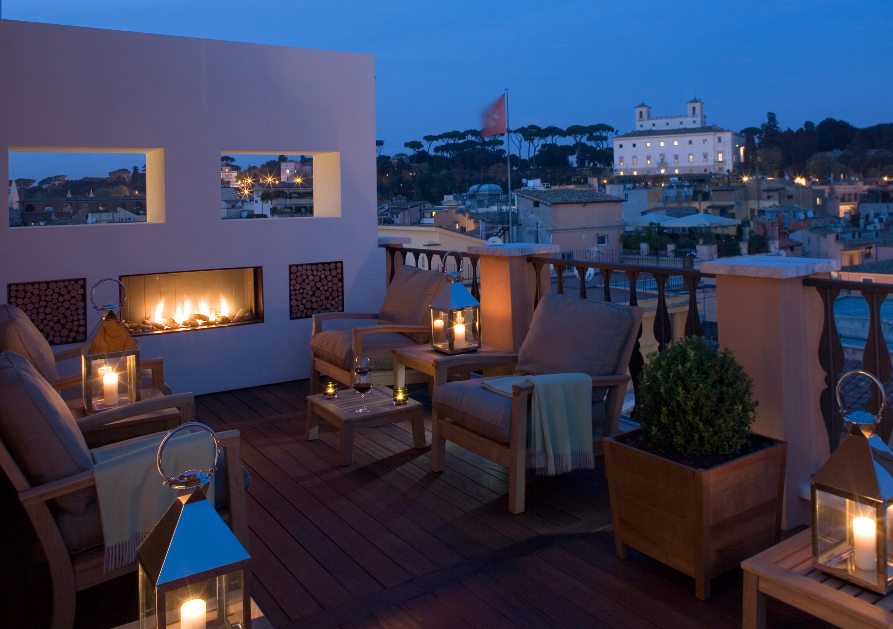 Portrait roma rome luxury hotel italy original travel for What is a hotel terrace
