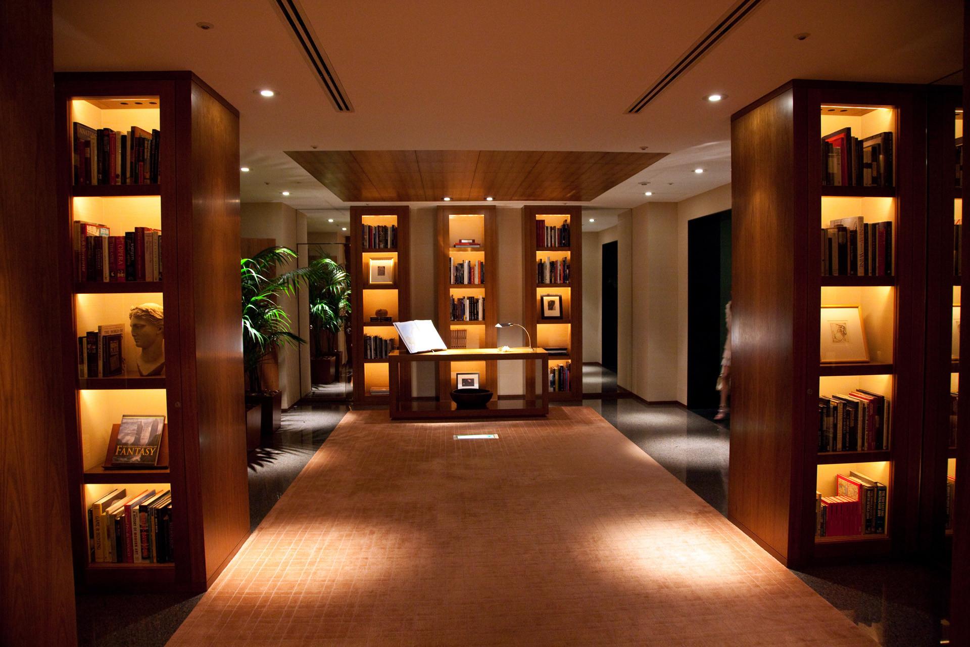 Park hyatt tokyo honshu luxury hotel japan original for Floor in french translation