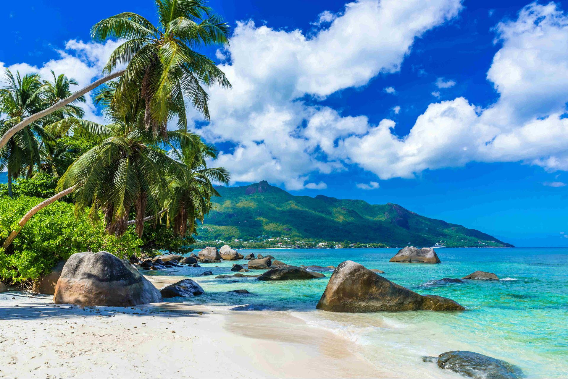 Seychelles diving original diving Top 5 most beautiful islands in the world