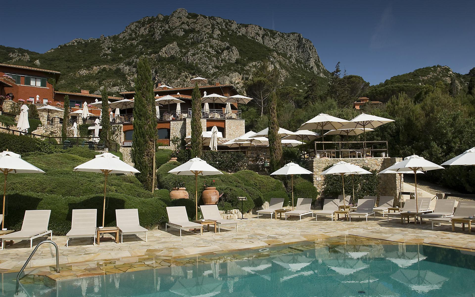 Il pellicano tuscany luxury hotel italy original travel for Luxury hotel company